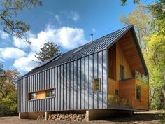 Metal Siding House Pictures The Matchbox By Bureau For Architecture And Images Exterior Houses Vertical Modern Residential Architecture, Architecture Design, Installation Architecture, Architecture Interiors, House Cladding, Urban Cottage, Metal Siding, Metal Cladding, Garage Studio