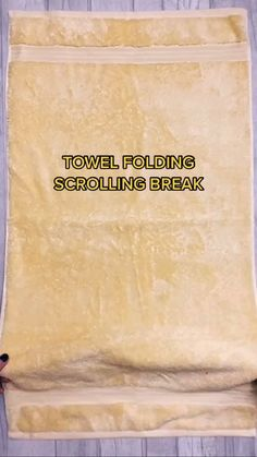 Household Cleaning Tips, House Cleaning Tips, Diy Cleaning Products, Spring Cleaning, Cleaning Hacks, Folding Bath Towels, How To Fold Towels, Simple Life Hacks, Useful Life Hacks