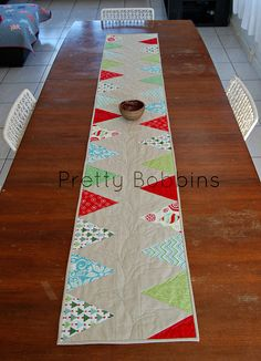 Christmas Table Runner - Pretty Bobbins