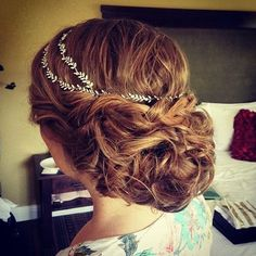 Beautiful hairstyle for wedding, love it.
