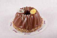 Bakkerij Voncken. Bakkerij Voncken heeft een ruim assortiment luxe vlaaien.Ambachtelijke brood en banketbakkerij, gespecialiseerd in Limburgse vlaaien, luxe vlaaien, bruidstaarten, logo-taarten, cupcakes, en belegde broodjes Heerlen Kerkrade Brunssum Landgraaf Parkstad Limburg.