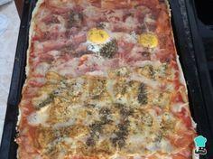 Receta de Pizza casera con pollo, jamón y huevo #RecetasGratis #RecetasFáciles #Pizza