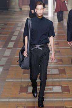 Lanvin - Men Fashion Spring Summer 2015 - Shows - Vogue. Fashion Week Hommes, Mens Fashion Week, Fashion Show, Men's Fashion, Fashion Menswear, Paris Fashion, Lanvin, Mode Streetwear, Streetwear Fashion