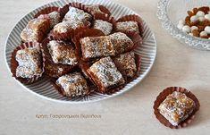 Νηστίσιμα καρυδωτά  (αλάδωτα) Greek Sweets, Greek Desserts, Vegan Desserts, Truffles, Sweet Recipes, Good Food, Fun Food, French Toast, Food And Drink