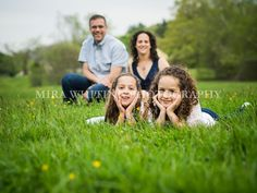 Casual Outdoor Family Portrait | Mira Whiting Photography