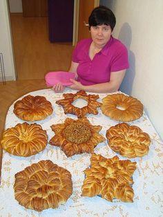 Валентина Цуркан - мастер высочайшего класса в деле декорирования самой разнообразной выпечки. Ее непревзойденное мастерство никого не оставляет равнодушным. Ниже несколько образцов ее творчества. Ре…