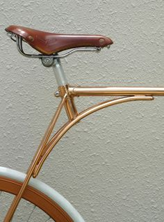 pista. Copper tube bicycle with radical yet classic sense of style