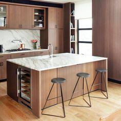 Kitchen Sets, Kitchen Layout, New Kitchen, Awesome Kitchen, Stylish Kitchen, Kitchen Colors, Outdoor Kitchen Design, Modern Kitchen Design, City Kitchen Design