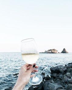 WEBSTA @ giadapappalardo - Il mare, il vino, e l'amicizia sono le migliori armi…