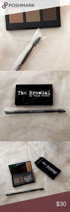 Browgal Convertible Brow Palette and Brow Brush The Convertible Brow is a powder/pomade duo that acts as a powder when used dry and a pomade when used wet to fill in and apply color and definition to the brows. Once used wet, the pallet with revert back to powder consistency, ensuring the product does not try out. Now that is some cool technology for our gals! The Convertible was born out of necessity as The BrowGal found pomades dried out to easily and classic powders didn't always give the…