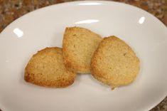 It has grown on me!: How to Bake Crunchy Okara Cookies - Healthy Protein Cookies Protein Cookies, Healthy Cookies, Homemade Tofu, Healthy Protein, Healthy Baking, Cornbread, Ethnic Recipes, Food, Healthy Crackers