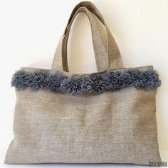 This winter I have taken quite advantage of the sewing machine. Tods Bag, Jute Tote Bags, Diy Bags Purses, Diy Handbag, Work Bags, Denim Bag, Fabric Bags, Shopper, Cloth Bags