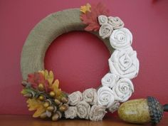 These twisted burlap flowers are the perfect touch for fall. Group them on a burlap covered wreath, small ones on a name card, napkin ring, or on a gift bag! Drop Cloth Projects, Burlap Projects, Burlap Crafts, Fabric Crafts, Burlap Flower Wreaths, Burlap Flowers, Beaded Flowers, Burlap Wreath, Burlap Christmas