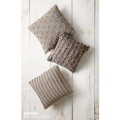 Free Easy Crochet Pillow Pattern | Yarnspirations | Bernat | Free Pattern