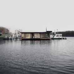 LS_WelcomeBeyond-ModernHouseboat_8
