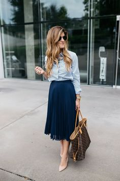business casual outfit idea, incorporating trends at work, how to be stylish at the office, pleated midi skirt outfit, navy and blush pink outfit, business professional outfit idea, spring work wear outfit