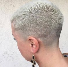 Short Hair Beauty — What do you think of her cut and color? Short Hair Beauty — What do you think Short Sassy Haircuts, Edgy Short Hair, Really Short Hair, Super Short Hair, Short Hair Cuts, Short Hair Styles, Undercut Hairstyles, Pixie Hairstyles, Shaved Hair Cuts