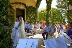 Wedding photographer: a wonderful couple from England to Villa Balbianello Outdoor Ceremony, Wedding Ceremony, Lake Como Wedding, Bridesmaid Getting Ready, Villa, England, Italy, Couples, Beautiful