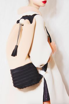 LRNCE - PITCH-PRESENT Fashion Bags, Fashion Shoes, Fashion Accessories, Popular Backpacks, Best Bags, Everyday Bag, Cute Bags, Knitted Bags, Beautiful Bags
