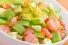 Spicy Shrimp and Cucumber Salad A fresh, light salad that's a blend of colour and spice. Healthy Fats, Healthy Eating, How To Peel Shrimp, Protein Plus, Quick Weeknight Dinners, Spicy Shrimp, Raw Vegetables, Spicy Recipes, Cooking Time