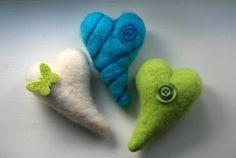 Pludrehanne: Hjerte av (g)ull Dinosaur Stuffed Animal, Diy, Bricolage, Do It Yourself, Homemade, Diys, Crafting