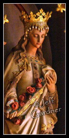 Statue in St. Joseph's Catholic Church in Pierz, MN. Catholic Prayers, Catholic Art, Catholic Saints, Patron Saints, Religious Icons, Religious Art, Saint Elizabeth Of Hungary, Italian Statues, Virgin Mary Statue