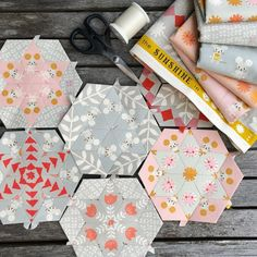 I've had fun today playing with the new Sunshine fabric by @alexiamarcelleabegg ... I'm planning on spending Australia Day sewing these hexagons into one of @lizatbroderie 's little dilly bags. How are you planning to spend your day? We are closed tomorrow and open 9.30am to 4.30 Saturday #cuttingcloth @cottonandsteel #hexagons #englishpaperpiecing #epp #dillybag #makersgonnamake