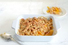 Easy to make Paleo Peach Crisp. Only 6 ingredients: peaches, almond flour, salt, baking soda, butter and maple syrup. Gluten-free, grain-free and healthy.