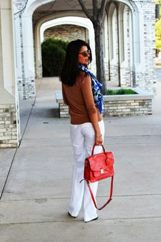 Casual weekend spring look. Neutrals with a pop of color.  www.lovezahra.com