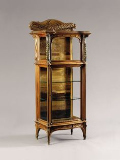 Emile Gallé Nancy, Mahogany and Bronze Display Cabinet with Fruit Wood Inlays. Real Wood Furniture, French Furniture, Antique Furniture, Furniture Design, Mobiliário Art Nouveau, Art Nouveau Design, Art Nouveau Furniture, Liberty Furniture, French Art
