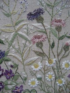 Sashiko Embroidery, Learn Embroidery, Japanese Embroidery, Silk Ribbon Embroidery, Embroidery Needles, Hand Embroidery Patterns, Embroidery Applique, Cross Stitch Embroidery, Machine Embroidery