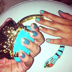 love the turquoise with the gold tips