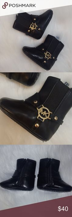 MK Baby Emma Tessa logo boots size 1 Michael Kors Baby Emma Tessa zip up logo boots size 1 in fantastic condition with no flaws, I believe my baby wore these only once as she outgrew them so fast 😭 Check out my other listings. I now offer a 20% discount on 3 or more items purchased. Michael Kors Shoes Boots