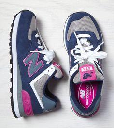 Navy New Balance 574 Sneaker