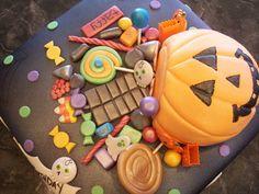 halloween fondant cakes | MoniCakes: Halloween Basket with Fondant Candy Cake