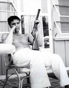 Elvis at home on Audubon Drive - 1956