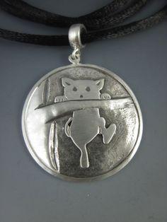 Lili na Arvore - Pingente de Prata 925 Reciclada com cordão de cetim - 37mmX26mm(AxL)
