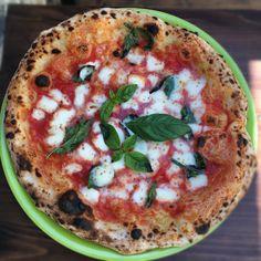 Casa Vitiello - Garage Pizza Garage Pizza, Vegetable Pizza, Vegetables, Places, Food, Essen, Vegetable Recipes, Meals, Yemek