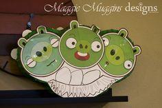 Angry Birds Pig Piñata by Maggie Muggins Designs, via Flickr