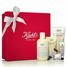 Treat your skin to our decadent Creme de Corps Collection. Indulge with our rich body moisturizer or whipped body butter for softer, smoother skin. Hair Lotion, Lotion For Dry Skin, Moisturizer For Dry Skin, Kiehl's Gift Set, Kiehl's Skin Care, Kiehl's Since 1851, Best Lotion, Body Polish, Facial Cream