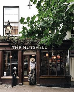 Okaaay, as it's weekend... Let me introduce you the smallest pub in #England as confirmed in the Guinness Book of Records - The Nutshell , open since 1867. • While you enjoy a drink, you can stare at countless old photos, coins, notes, military items⚔️ and even a mummified cat! The Nutshell has its four ghosts too, which have been seen by customers! • Imagine, it's only about 10m2. Ah, 30 years ago 102 people and a dog () squeezed in there!. • #iamatraveler #burystedmunds #wene