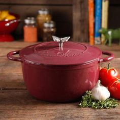 The Pioneer Woman Timeless Beauty 5-Quart Cast Iron Dutch Oven with Stainless Steel Butterfly Knob - Walmart.com