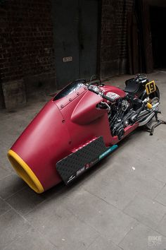 Drag Bike: A 135 hp nitrous-fueled Indian Scout - Motorrad - auto Futuristic Motorcycle, Motorcycle Style, Motorcycle Design, Bike Design, Motorcycle Touring, Bobber Motorcycle, Concept Motorcycles, Custom Motorcycles, Custom Bikes