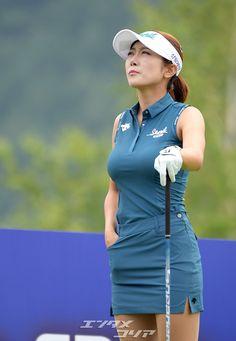 Gorgeous Women, Gorgeous Lady, My Yoga, Golf Outfit, Absolutely Stunning, Ladies Golf, Sports, Korean, Australia