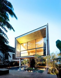 Sentosa House by Nicholas Burns Associates