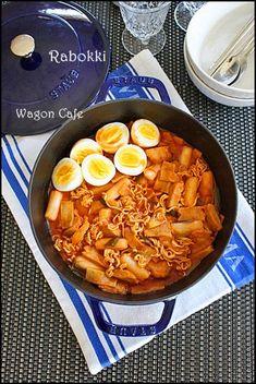 週末の夫婦ランチ^^**Korean Rice Cakes w/ Ramen Noodles - Rabokki (라볶이) : Wagon Café