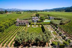 Produrre il tuo vino in questa magnifica fattoria a Saint Helena, California. #California #Luxuryhomes #vino #wine #luxurylifestyle #unique #success #empire