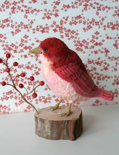 """akaitorikotori_2.jpg  """"Red bird bird""""  Bird reddened to eat red fruit. Feathers of breast was dyed a bore of organic cotton. Bird felt cloth and wool be subjected to uneven dyeing of Zhu, was a chubby-flop is now available.  I am made of beads of coral actually red."""