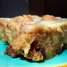 Cinnamon Bread Pudding with Warm Vanilla Bourbon Sauce Recipe Sauce Recipes, My Recipes, Favorite Recipes, Pudding Recipes, Yummy Treats, Delicious Desserts, Mexican Food Recipes, Dessert Recipes, Cinnamon Raisin Bread