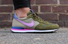 NIKE WMNS INTERNATIONALIST (629684-303)